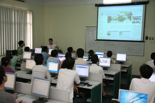 Cách chọn máy chiếu dùng để trình chiếu giảng dạy.