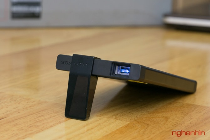 máy chiếu mini Sony siêu tiện dụng